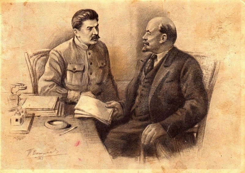 http://rufabula.com/media/upload/images/2013/08/28/Lenin_Stalin_1.1200.jpg