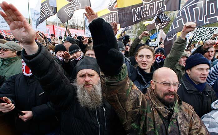 Эссе национализм гораздо более связан с ненавистью к чужому