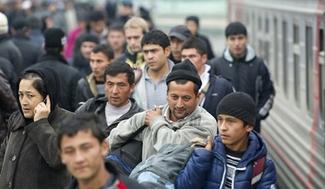 Москва решила завозить в Крым трудовых мигрантов