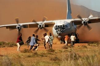 Нигерийский истребитель ошибочно разбомбил лагерь беженцев - более 100 погибших - Цензор.НЕТ 9294