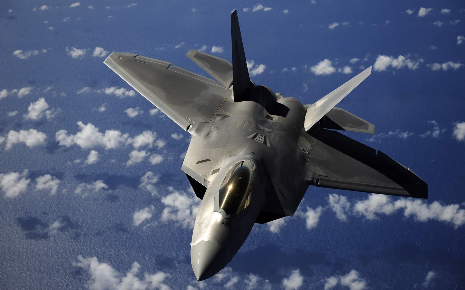 США перебросили в Европу истребители F-22